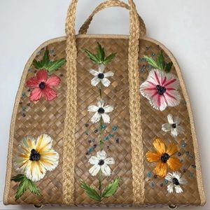 Vintage Straw Rattan Grass Tote Floral embroidered